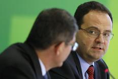 Ministro do Planejamento, Nelson Barbosa, durante entrevista coletiva em Brasília no ano passado. 27/11/2014. REUTERS/Ueslei Marcelino