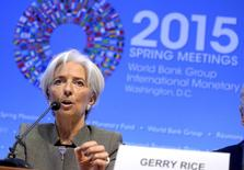 Christine Lagarde, directora del FMI, durante una reunión en Washington, 16 abril, 2015. La directora gerente del Fondo Monetario Internacional dijo el jueves que no concedería a Grecia un retraso en sus pagos, así como nunca se ha hecho para una economía avanzada, y que el FMI debe proteger su reputación como organismo seguro. REUTERS/Mike Theiler
