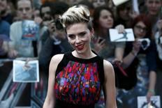 """Atriz Scarlett Johansson na première europeia de """"Vingadores 2: Era de Ultron"""", em Londres. 21/04/2015 REUTERS/Stefan Wermuth"""