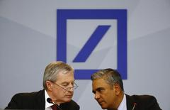 Anshu Jain (R) and Juergen Fitschen, co-CEOs of Deutsche Bank, speak at a news conference in Frankfurt, Germany, April 27, 2015. REUTERS/Kai Pfaffenbach