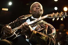 B.B. King se apresentando no Festival de Jazz de Montreux.   02/06/2011  REUTERS/Valentin Flauraud