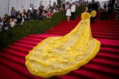 Cantora Rihanna chega ao Metropolitan Museum of Art em Nova York. 04/05/2015 REUTERS/Lucas Jackson