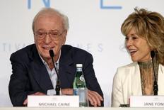 """Michael Caine e Jane Fonda em entrevista coletiva para promover o filme """"Youth"""" em Cannes. 20/05/2015 REUTERS/Benoit Tessier"""