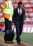 Raheem Sterling chegando para partida contra o Crystal Palace.  16/05/2015  Reuters / Phil Noble Livepic