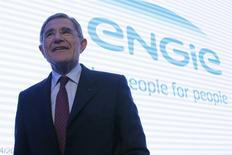 Le PDG d'Engie (anciennement GDF Suez) Gérard Mestrallet a déclaré samedi que son groupe pourrait prendre une participation dans Areva pour créer un grand groupe international dans le domaine des services de maintenance nucléaire. /Photo prise le 24 avril 2015/REUTERS/Gonzalo Fuentes