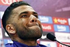 Lateral-direito do Barcelona Daniel Alves durante entrevista coletiva. 25/05/2015 REUTERS/Gustau Nacarino