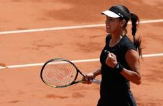 Ana Ivanovic of Serbia reacts during her women's quarter-final match against Elina Svitolina of Ukraine during the French Open tennis tournament at the Roland Garros stadium in Paris, France, June 2, 2015. REUTERS/Pascal Rossignol
