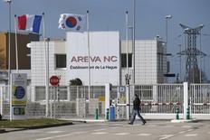 L'Etat a validé mercredi le projet de reprise par EDF de l'activité réacteurs nucléaires d'Areva, confirmant le scénario d'une refonte radicale de la filière qui circulait depuis plusieurs mois. /Photo prise le 22 avril 2015/REUTERS/Benoît Tessier
