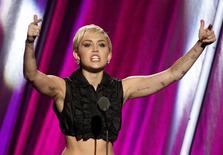 Cantora Miley Cyrus durante evento em Cleveland, nos Estados Unidos, em abril. 18/04/2015 REUTERS/Aaron Josefczyk