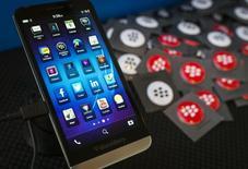 Blackberry Z10 é exibido em Toronto, no Canadá. 09/04/2014 REUTERS/Mark Blinch