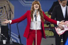 Florence Welch, da banda Florence + The Machine, durante apresentação em Nova York.  05/06/2015     REUTERS/Carlo Allegri