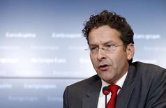 El presidente del Eurogrupo, Jeroen Dijsselbloem, durante una conferencia de prensa luego de una reunión de ministros de finanzas en Luxemburgo, 18 de junio de 2015. Las nuevas propuestas de Grecia para llegar a un acuerdo con sus acreedores se conocieron hace muy poco, por lo que aún deben ser consideradas a lo largo de la semana antes de llegar a una definición, dijo el lunes el presidente del Eurogrupo de ministros de Finanzas de la zona euro, Jeroen Dijsselbloem. REUTERS/Francois Lenoir