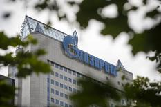 Центральный офис Газпрома в Москве. 26 июня 2015 года. Газовый концерн Газпром готов обсудить продление контракта на транзит природного газа в Европу, сказал глава Газпрома Алексей Миллер. REUTERS/Sergei Karpukhin