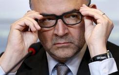 Comissário Econômico da União Europeia, Pierre Moscovici, durante entrevista coletiva em Luxemburgo.   16/06/2015    REUTERS/Francois Lenoir