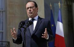 Presidente francês, François Hollande, no Palácio do Eliseu. 29/06/2015  REUTERS/Philippe Wojazer