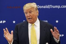 El precandidato presidencial republicano Donald Trump en un evento de campaña en Winterset, EEUU, jun 27 2015. NBC Universal anunció el lunes que terminó su relación de negocios con el magnate de los bienes raíces Donald Trump debido a recientes comentarios despectivos.  REUTERS/Brian Frank
