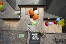 """Una casa que fue propiedad de Edith Macefield, y que apareció en la publicidad para promocionar la película """"Up"""", fotografiada en Seattle, Washington, 13 de marzo de 2015. Una casa centenaria de Seattle que inspiró el hogar en la película animada de Walt Disney """"Up"""" afronta una posible demolición, reportó el lunes la prensa local. REUTERS/David Ryder"""