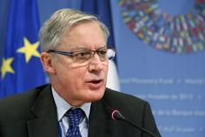 Membro do Conselho de Governo do BCE Christian Noyer, durante entrevista coletiva em Washington.    12/10/2013     REUTERS/Jonathan Ernst