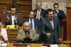 Le Premier ministre grec Alexis Tsipras a obtenu le soutien du Parlement à son programme de réformes présenté aux créanciers du pays dans le but d'obtenir un nouveau plan de sauvetage. /Photo prise le 11 juillet 2015/REUTERS/Christian Hartmann