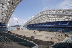 Construção de estádio em Sochi, na Rússia.  13/7/2015.   REUTERS/Maxim Shemetov