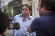 Aaron Davidson, então chefe da unidade norte-americana do Grupo Traffic em Miami, deixa um tribunal em Nova York, nos Estados Unidos, em maio. 29/05/2015 REUTERS/Brendan McDermid