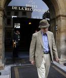 El cineasta Woody Allen a las afueras del Hotel de la Reconquista en Oviedo, España, jul 1 2015. Cuando era un niño, al futuro director de cine Woody Allen le preocupaban tres cosas: el béisbol, la magia y los asesinatos. REUTERS/Eloy Alonso