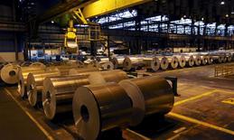 Алюминиевый завод на заводе в Бразилии. 19 июня 2015 года. Глобальный конкурент Русала - Norsk Hydro - получил во втором квартале операционную прибыль выше прогнозов, несмотря на падение цен на алюминий, за счет производства продукции с добавленной стоимостью. REUTERS/Paulo Whitaker