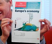 Le groupe de presse britannique Pearson a annoncé samedi être en discussion pour la vente de sa participation de 50% dans The Economist Group, qui publie l'hebdomadaire The Economist. /Photo d'archives/REUTERS/Heinz-Peter Bader