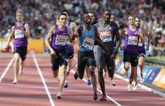 Athletics - IAAF Diamond League 2015 - Sainsbury's Anniversary Games - Queen Elizabeth Olympic Park, London, England - 25/7/15. Botswana's Nijel Amos wins the men's 800m final. Reuters / Phil Noble Livepic