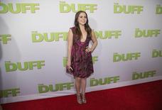 """Atriz Mae Whitman posa na pré-estreia do filme """"D.U.F.F."""", em Hollywood, nos Estados Unidos. 12/02/2015 REUTERS/Mario Anzuoni"""