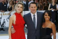 "Atores Jada Pinkett Smith (D), Amber Heard (E) e Channing Tatum posam em Londers para lançamento europeu de ""Magic Mike XXL"".  30/6/2015. REUTERS/Luke MacGregor"