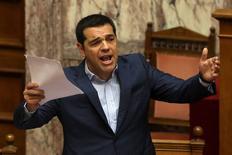 Primeiro-ministro grego, Alexis Tsipras, durante sessão parlamentar, em Atenas.  31/07/2015    REUTERS/Yiannis Kourtoglou