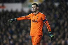 Hugo Lloris, do Tottenham Hotspur, durante partida contra a Fiorentina, na Inglaterra.  19/02/2015  Action Images via Reuters / Paul Childs