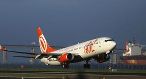 Aeronave da Gol vista no aeroporto Santos Dumont, no Rio de Janeiro.  16/12/2014    REUTERS/Pilar Olivares