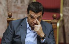 Primeiro-ministro grego, Alexis Tsipras, durante sessão parlamentar, em Atenas.  14/08/2015   REUTERS/Christian Hartmann