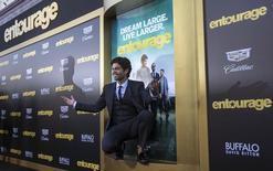 """Ator Adrian Grenier posa na pré-estreia de """"Entourage"""", em Los Angeles, nos Estados Unidos, em junho. 01/06/2015 REUTERS/Mario Anzuoni"""