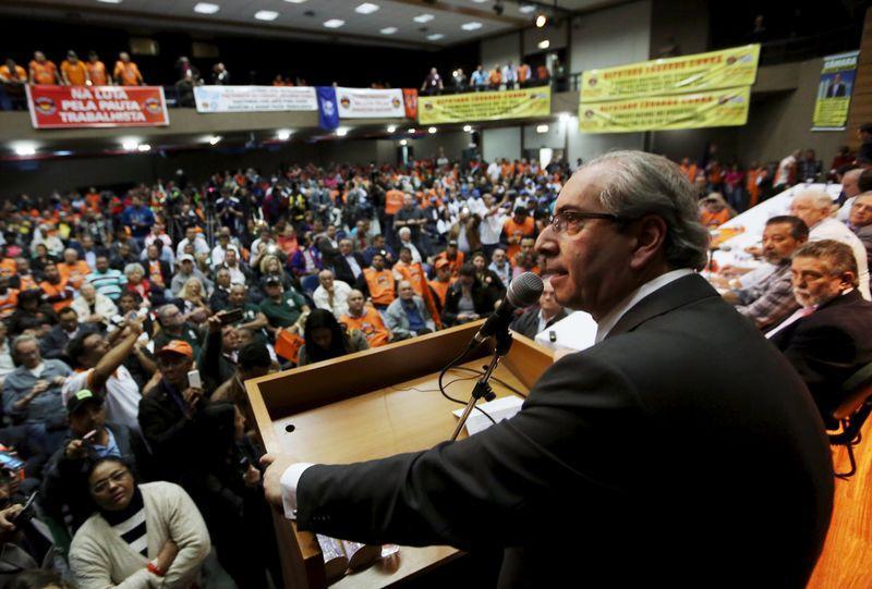 """Cunha diz que saída de Temer é """"fator positivo"""" para PMDB deixar governo"""