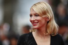 Atriz Cate Blanchett no tapete vermelho do Festival de Cannes. 19/05/2015   REUTERS/Benoit Tessier