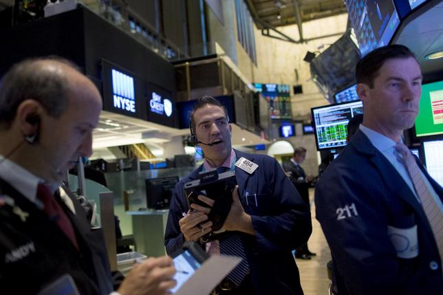 Traders work on the floor of the New York Stock Exchange in New York, September 2, 2015. REUTERS/Brendan McDermid