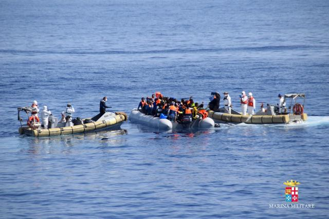 Migrants are rescued by the Italian Navy in the Mediterranean Sea in this September 2, 2015 handout courtesy of the Italian Navy.  REUTERS/Italian Navy/Handout via Reuters