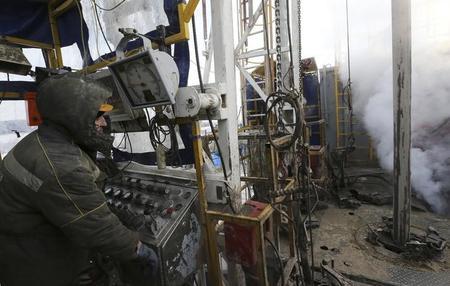 سيتشن: روسيا يمكنها زيادة انتاجها النفطي الي 14 مليون برميل يوميا
