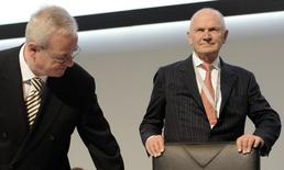 Ferdinand Piech (R), chairman of the board of German carmaker Volkswagen, and Martin Winterkorn, CEO of Volkswagen, arrive at the 51th annual shareholders meeting in Hamburg on May 3, 2011.  REUTERS/Fabian Bimmer