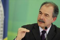 Imagen de archivo del jefe de Gabinete de Brasil, Aloizio Mercadante, durante una rueda de prensa en Brasilia. REUTERS/Ueslei Marcelino