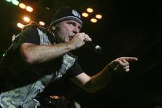 Vocalista do Iron Maiden, Bruce Dickinson, em show em Alajuela, na Costa Rica. 03/03/2009 REUTERS/Monica Quesada
