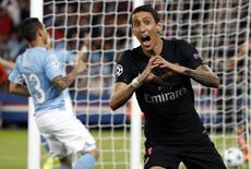 Meia Angel Di María, do Paris St. Germain, comemora gol marcado contra o Malmo pela Liga dos Campeões. 15/09/2015 REUTERS/Charles Platiau