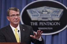 U.S. Defense Secretary Ash Carter holds a news conference at the Pentagon in Arlington, Virginia August 20, 2015.  REUTERS/Jonathan Ernst