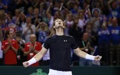 Tennis - Great Britain v Australia - Davis Cup Semi Final - Emirates Arena, Glasgow, Scotland - 20/9/15 Men's Singles - Great Britain's Andy Murray celebrates winning his match and reaching the Davis Cup Final Action Images via Reuters / Jason Cairnduff Livepic