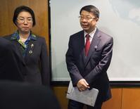 Vice-ministro das Finanças da China, Shi Yaobin, durante encontro em Washington.  13/04/2014   REUTERS/Joshua Roberts