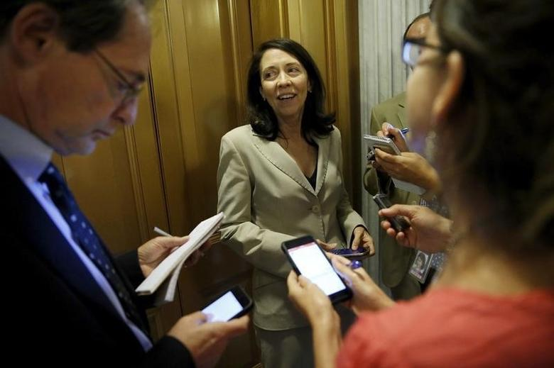 Senator Maria Cantwell speaks with reporters as she departs the Senate floor, September 8, 2015.  REUTERS/Jonathan Ernst