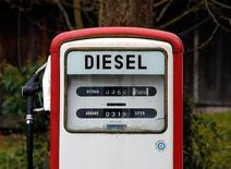 A diesel pump is seen at a privately operated fuel station in Gasse near Lake Tegernsee, January 9, 2015. REUTERS/Michael Dalder